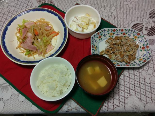旨味抜群!しらす納豆とお手軽炒め物の簡単朝食