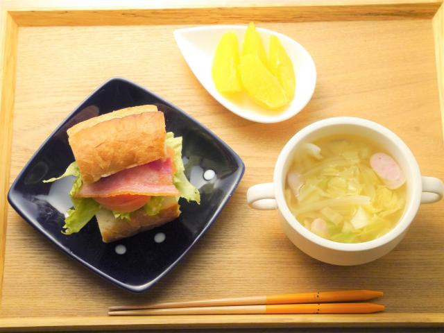 食べ応え十分♪BLTサンドの満腹朝食