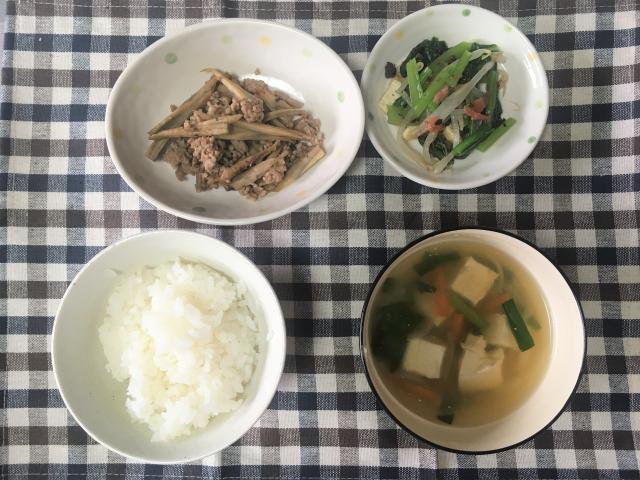 食物繊維たっぷり◎牛肉と根菜の炒め物