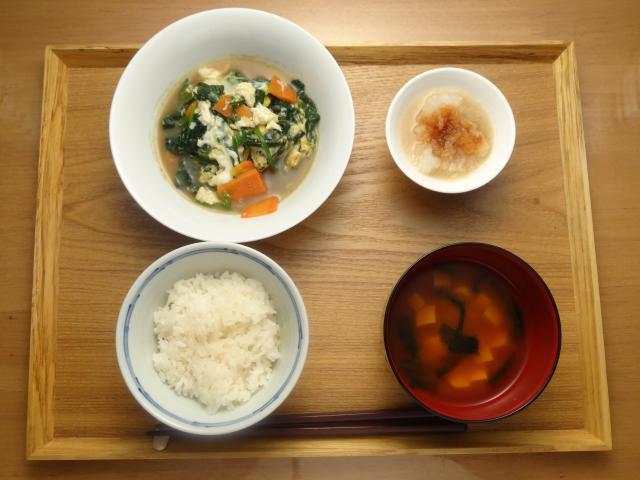 栄養満点!青菜と人参のふわとろ卵とじ